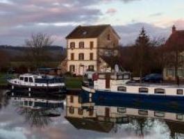 La Maison du Canal hébergement touristique sur le canal de  Bourgogne